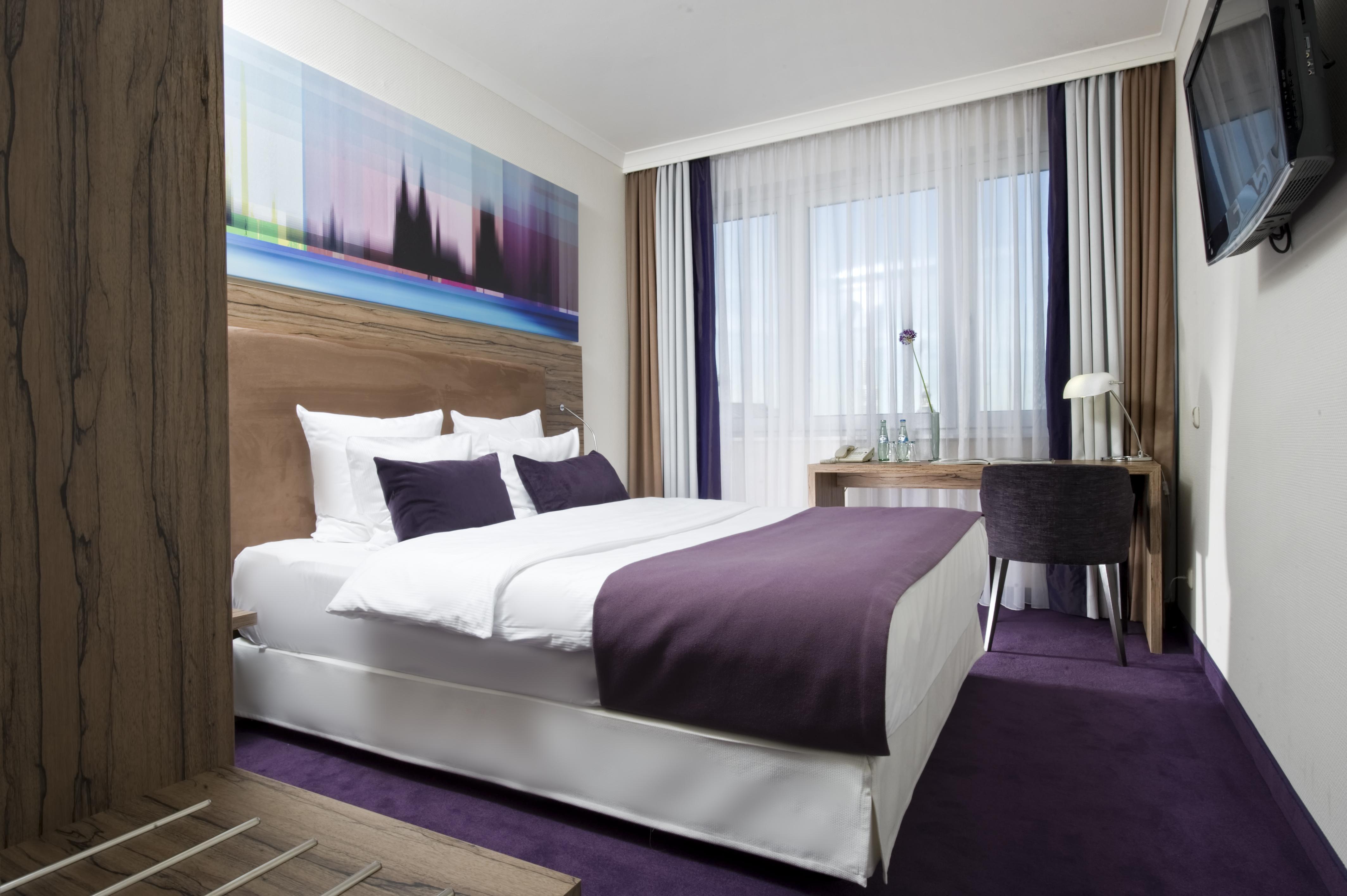 Wyndham k ln hotel hotelzimmer direkt am dom for Zimmer hotel